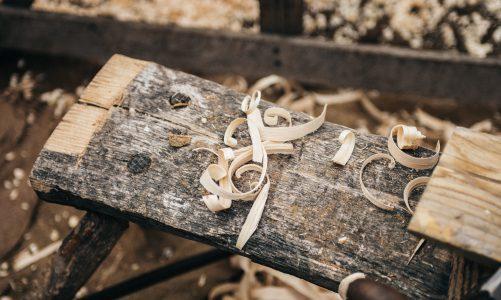 Jakie narzędzia do warsztatu stolarskiego?